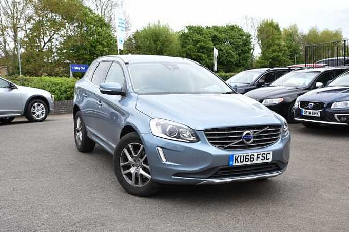 Volvo XC60 SE LUX NAV (Winter pack, front and rear sensors and tinted windows)