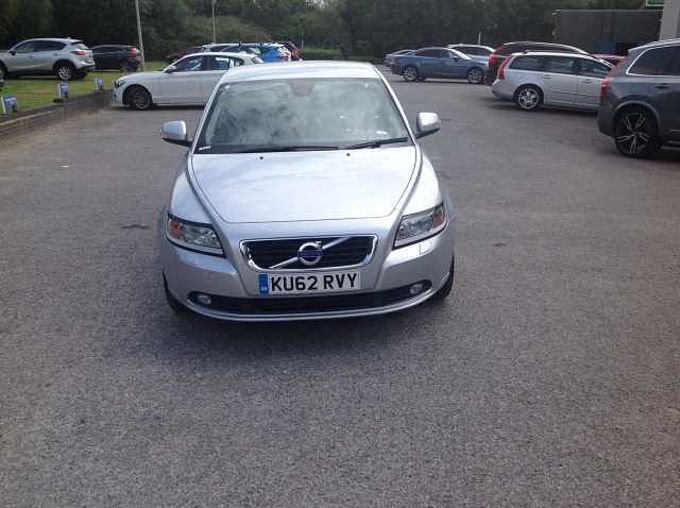 Volvo S40 SE Lux  (Sat-Nav and Heated Seats)